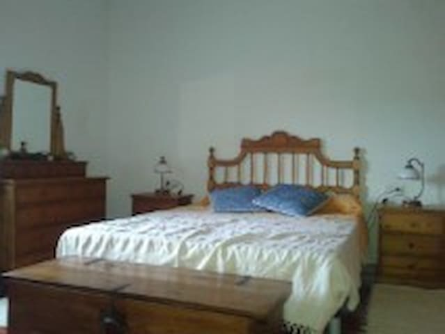 Bed and Breakfast en casa de campo - Elx - House