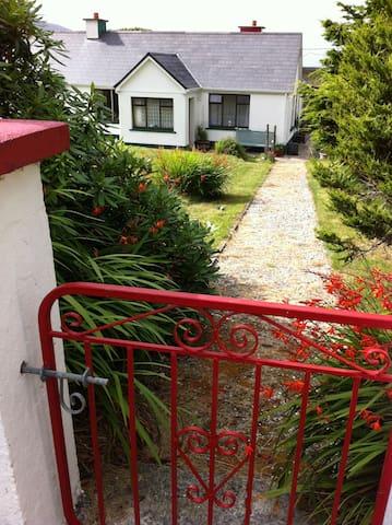 Cosy, comfortable 1B, 2B. 1 Double (Queen) 1A Menu - Achill Island - Rumah