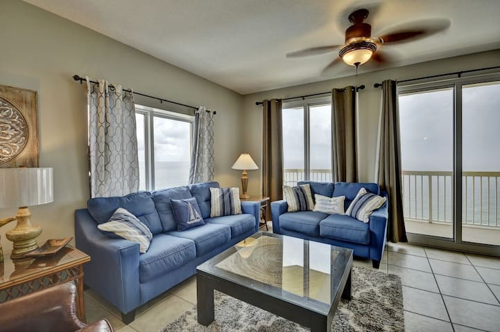 1501 East Calypso- Full 3 bedroom, 3 bath corner unit