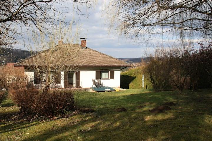 Gemütliches Haus mit Weitblick u Garten, Nähe Wien