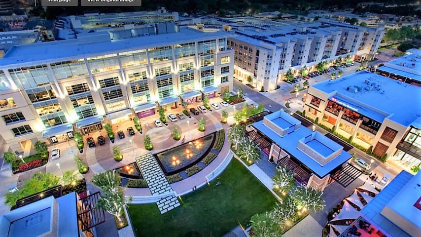 ★★Top 10  Luxury Living in City Centre Houston★★