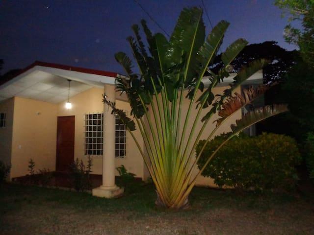 A pocos pasos de Managua, Masaya, Granada y más - Managua - Rumah