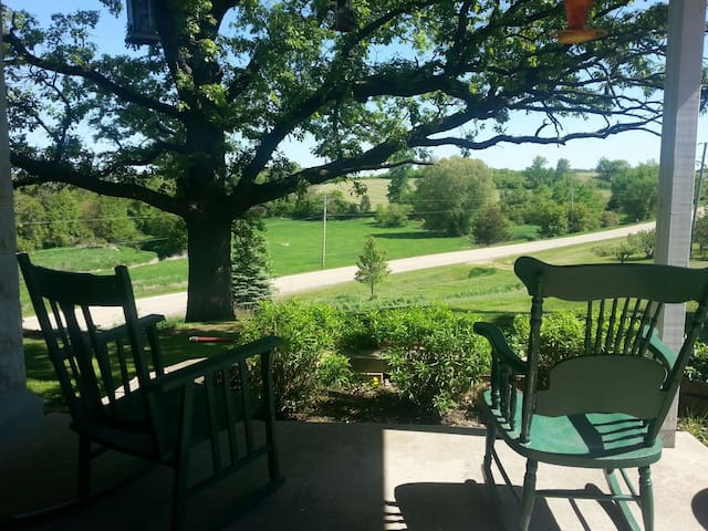 Honeywind Farm getaway! Peaceful - Browntown - ที่พักพร้อมอาหารเช้า