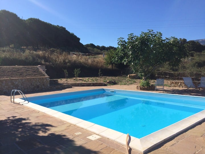 Small House with pool near Cefalù