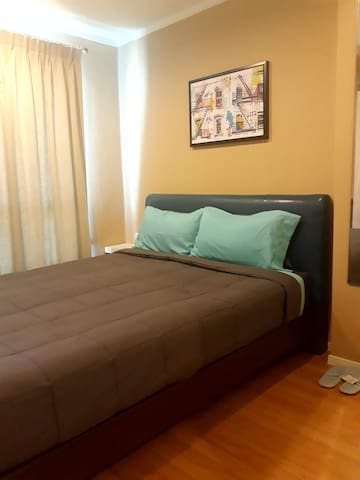 Affordable one bedroom  Free Wifi /Electric/ Pool