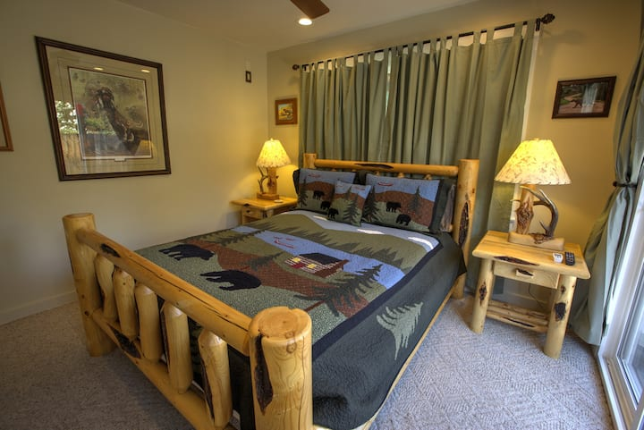 Monthly - Private Room Located Downtown Ojai