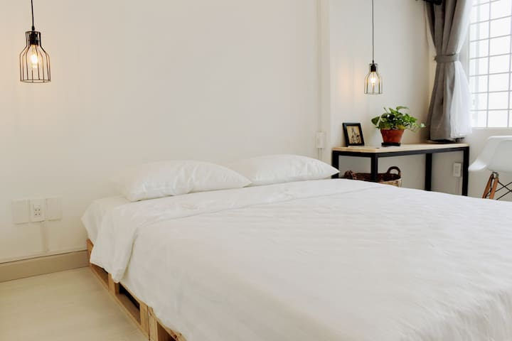 Charming and elegant room tucked away in alley - Ho Chi Minh
