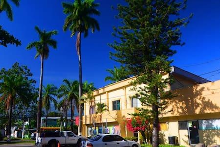 Residencia VIP Siesta - La Ceiba - Bed & Breakfast