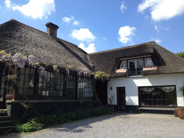 Beautiful villa in Lasne - Lasne - Huis