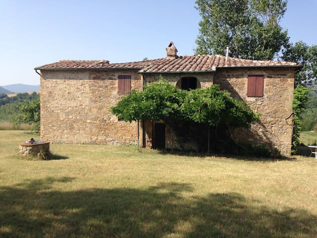 Podere Casotto -  beautiful old farm in Tuscany - Monteguidi - Hus