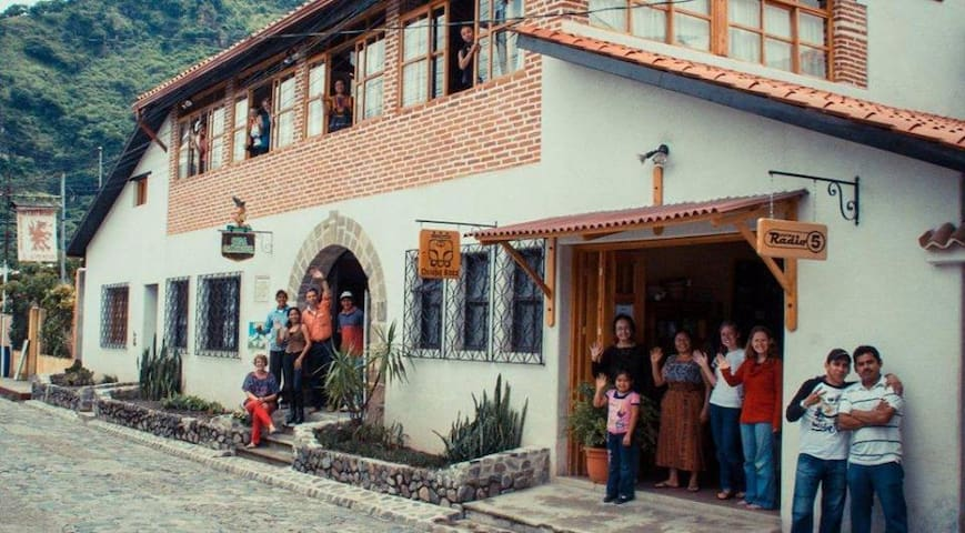 Panajachel - Casa Cakchiquel - Ingrid Bergmann - Panajachel - Dům