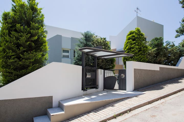 Villa 200m2 au nord d'Athènes - Dionisos - Dům