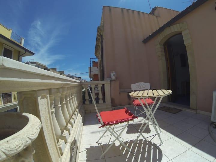 A casa Tunna monolocale  con terrazza a Pachino