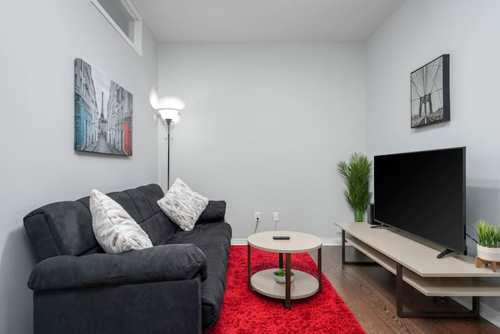 Modern & Cozy Condo | In the heart of Plateau