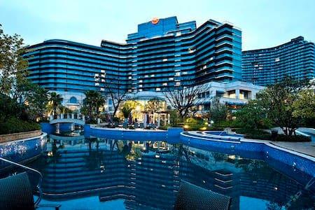 千岛湖喜来登度假酒店式公寓(74平12楼湖景楼王超大露台大床房)业主自持,免费wifi)12月优惠