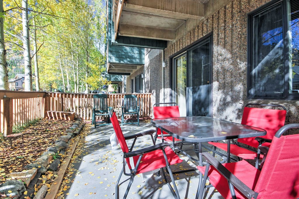 Explore the Rocky Mountains from this remodeled 2-bedroom, 1.5-bath vacation rental condo in Frisco!