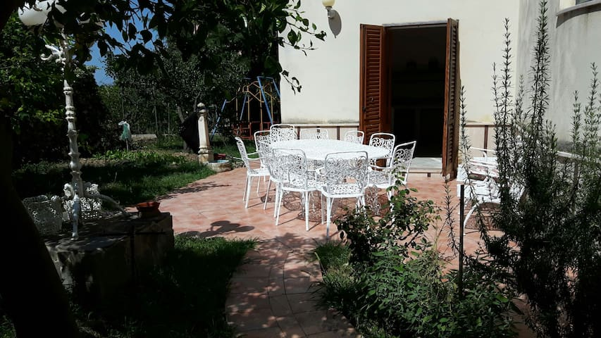 Appartamento in villa con giardino - Torrenova