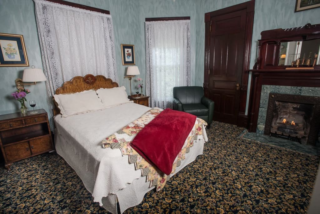 The Spring Garden In My Boutique Hotel Boutique Hotels For Rent In Taylorville Illinois