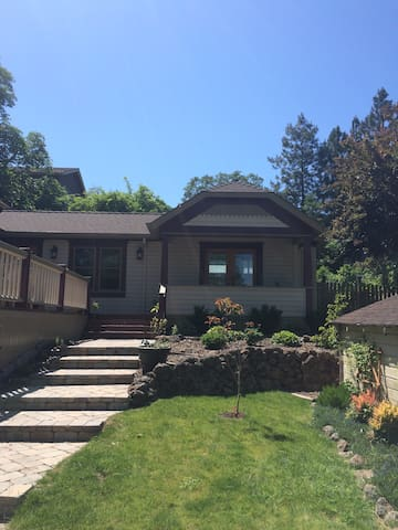 Cozy Master Room Near Shakespeare - Ashland - Casa