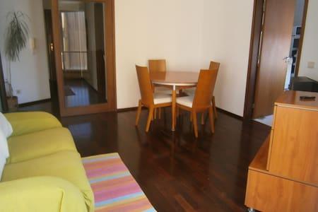 Tipologia alloggio: Intera casa/apt Tipo di alloggio: Appartamento Posti letto: 4 Camere da letto: 1 Bagni: 1