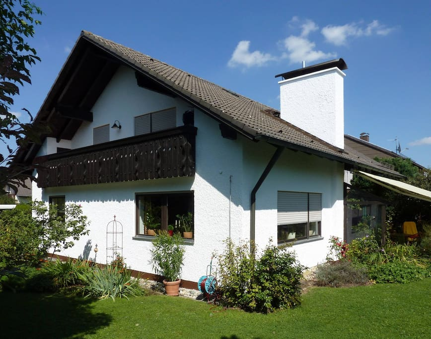 House with garden in quiet area houses for rent in for Big houses in germany