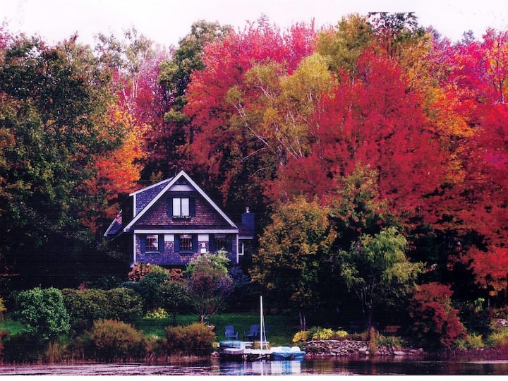 Beautiful Country Luxury Waterfront Lake Front Hom