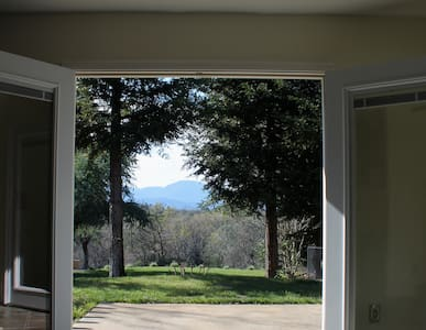 All Inn Bethel's Front Door,Room 3  - Redding