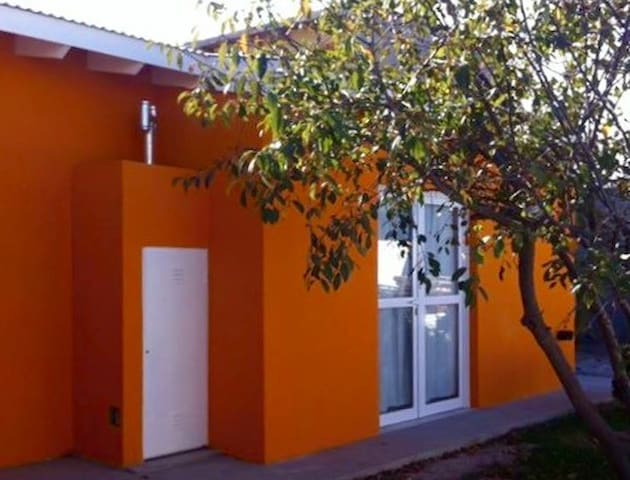 The Orange Home-Patagonia Argentina - Puerto Madryn