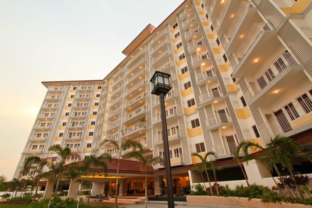 Condo sm field residence near naia airport condominiums for rent in para aque metro manila for 10 b swimming pool ups 5 sucat paranaque