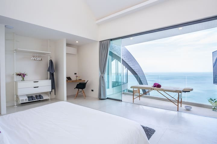 Bright bedroom With dream views