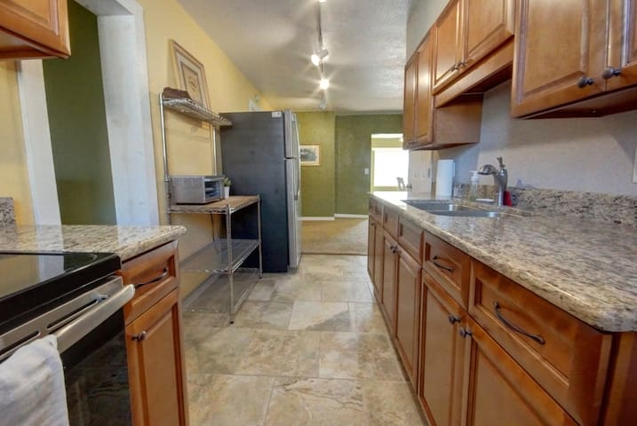 Cozy 3 bedroom home in downtown Sanford