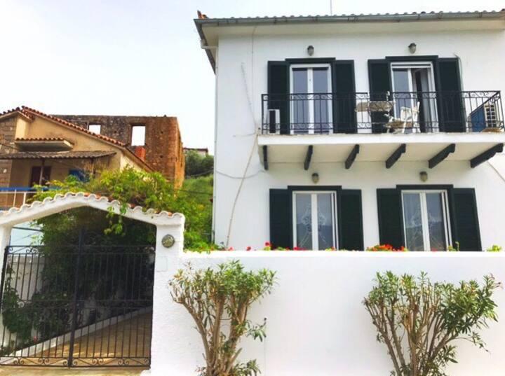 Alexandra's  sea view house , Galaxidi
