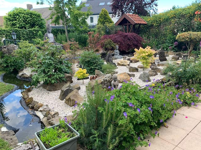 Gorgeous house with a lovely garden in Margraten