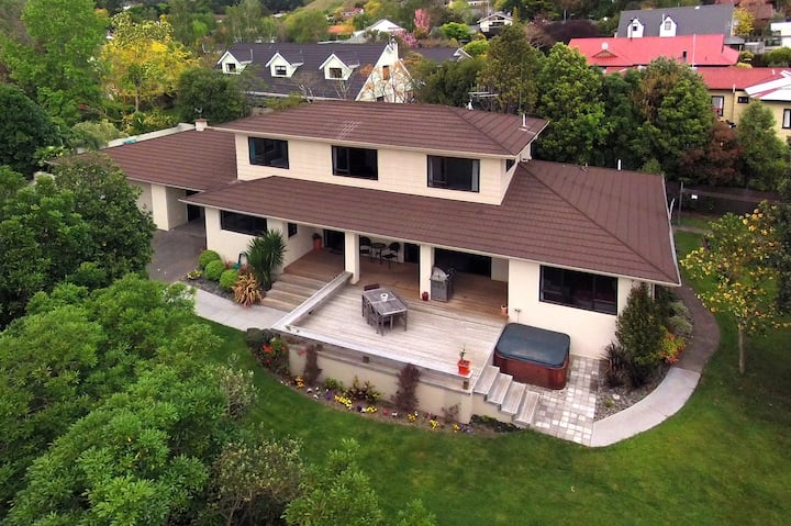 Havelock North - large family home