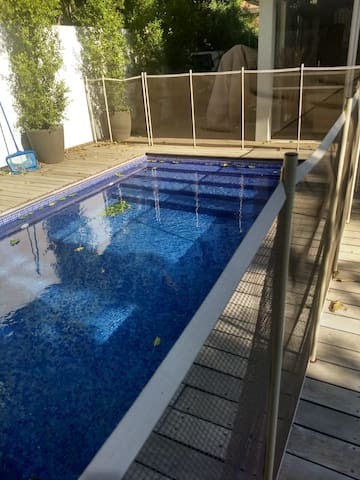 New Ra'anana Kosher 3 Bedroom Villa with Pool