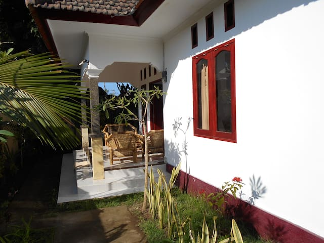 Group house on Gili Trawangan! - ลอมบอก - บ้าน