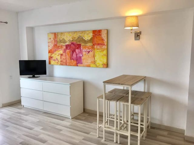 Newly Renovated Studio Apartment in Good Location - 阿爾庫迪亞 - 公寓