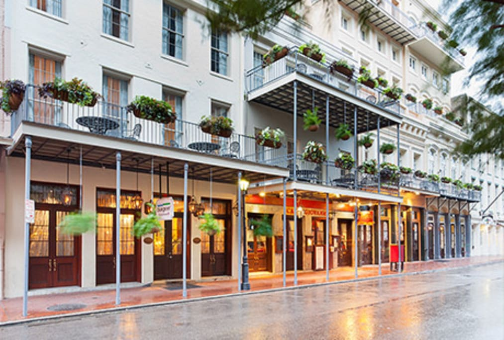 Club La Pension New Orleans One Bedroom Suite Serviced Apartments For Rent In New Orleans