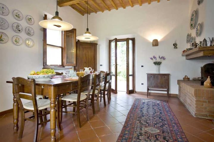 La Fonte - Lovely house, flat garden & large Pool - Palaia - Huis