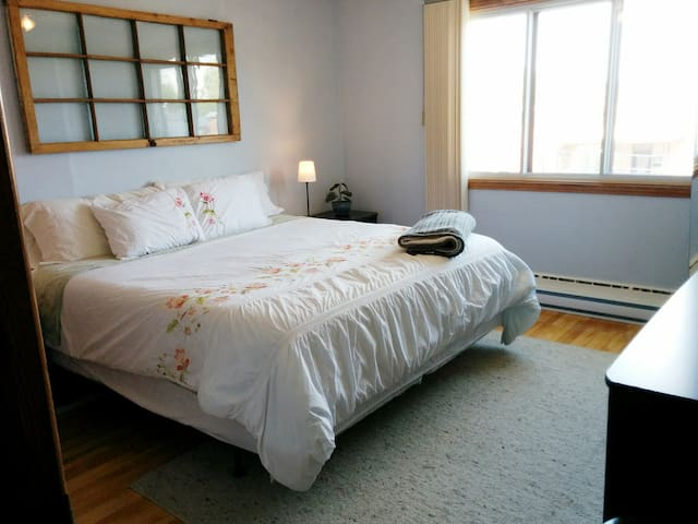 Sunny family-friendly apartment - Montreal - Apartemen