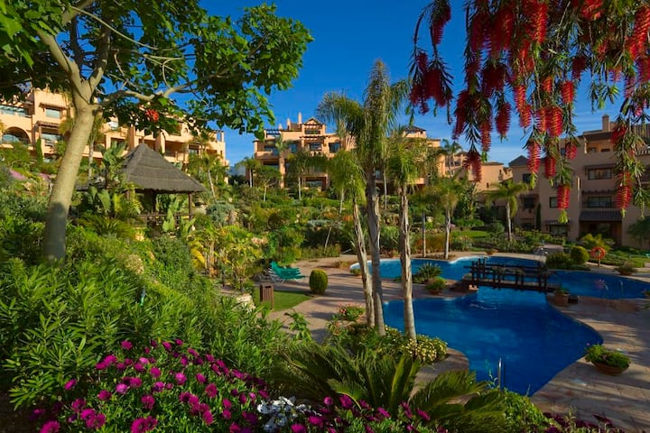Luxury apartment near Puerto Banus with Netflix