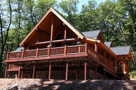 Myers Hillside Hideaway - Lakehead-Lakeshore - Blockhütte
