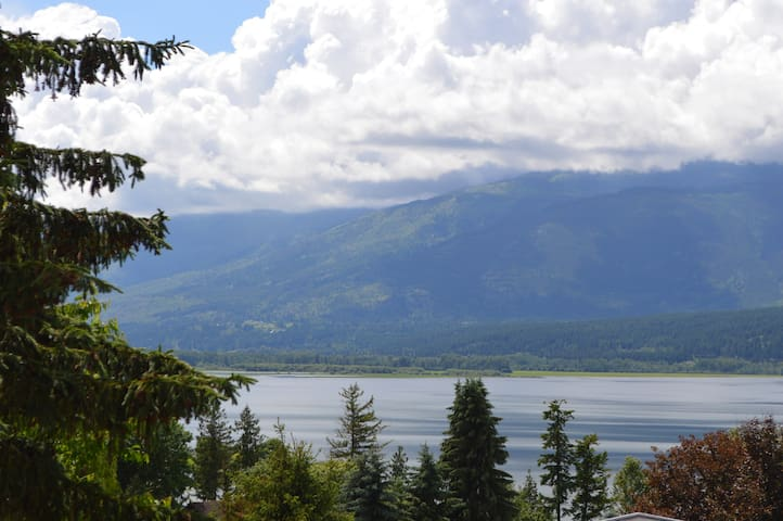 Panoramic Lakeview with Pool - Salmon Arm - Ev