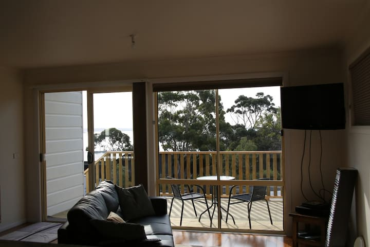 Angasi Apartment on Highcrest - Binalong Bay - Cabin