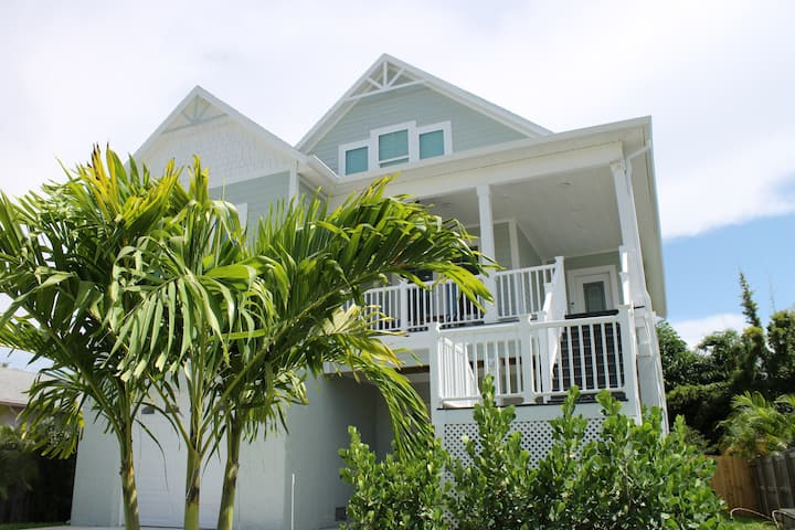 New Beautiful Key West Style Home in Palm Harbor