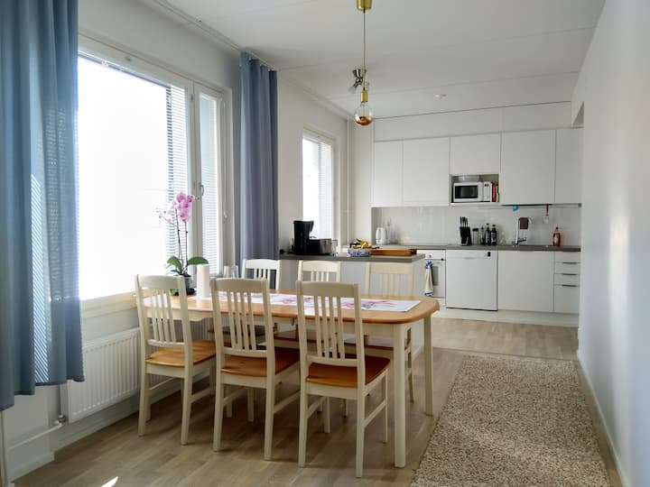 Private room 3 min from Helsinki Airport by train