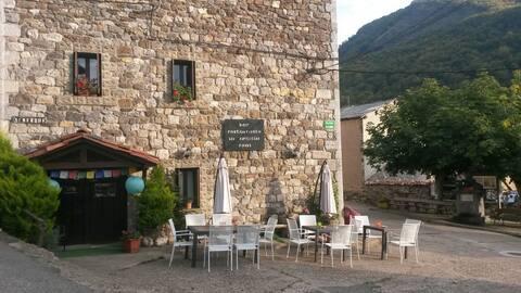 """""""Refugio Ardilla Real"""", Valdeón, Picos de Europa."""