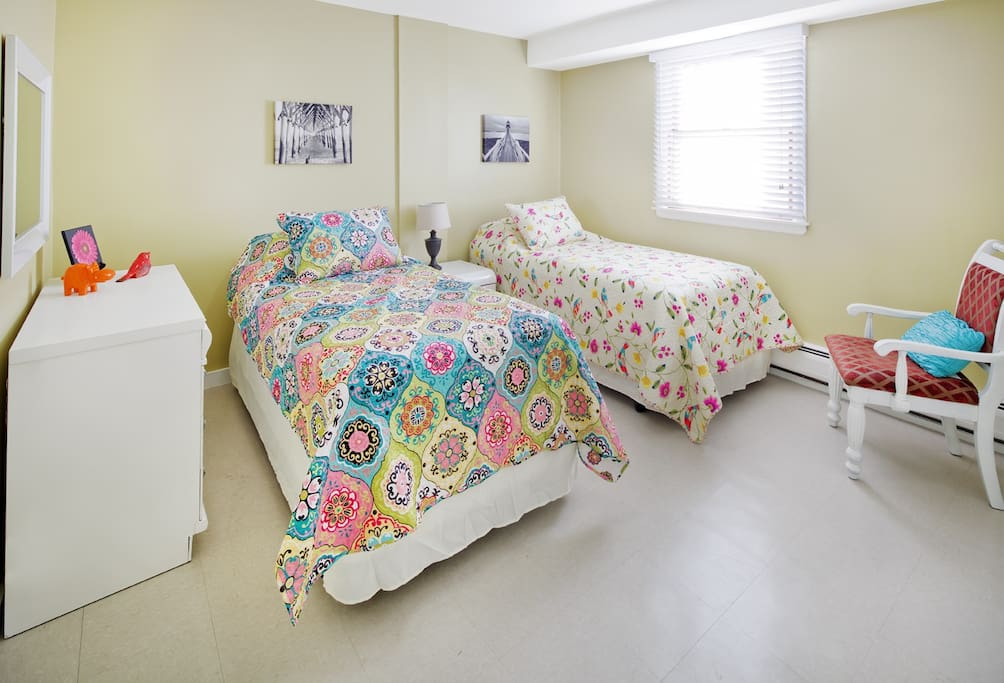 Cozy bedroom #2 Beds can  join to make queen bed