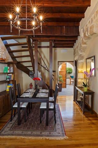 Medieval & Chic Villa,Old Town - Rhodes - Casa