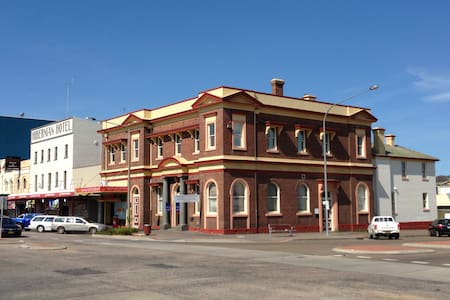 The Bank Apartments - Goulburn - Daire